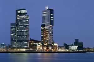 Montevideo toren kop van zuid wilhelminapier Rotterdam